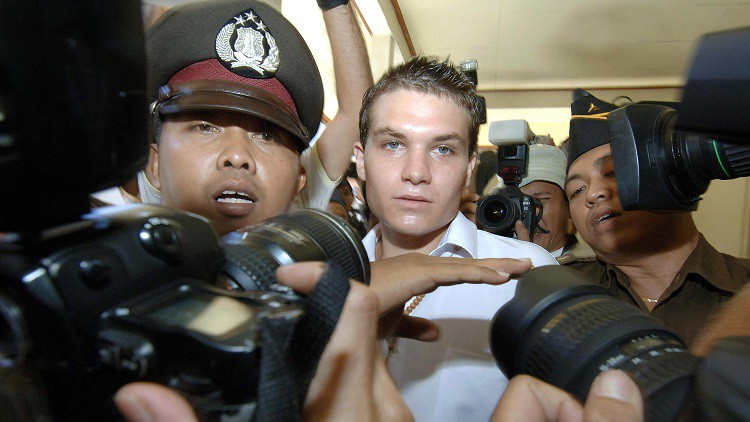 AFP won't apologise for 'agonising decision' in Bali Nine arrests
