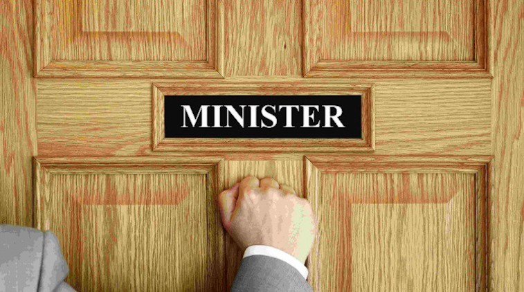 Why become a ministerial staffer