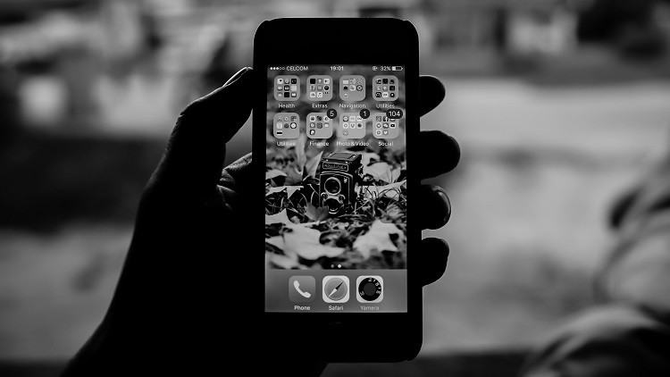 Privacy lessons for public service apps: two good examples and one failure