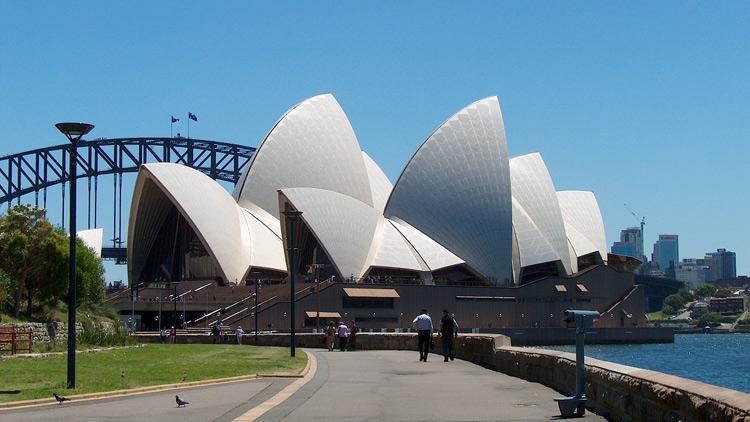 The uncivil Mr Jones and the Opera House stoush