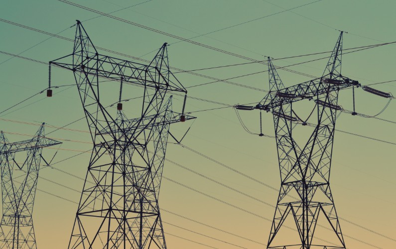 Energy sector rule-maker resigns