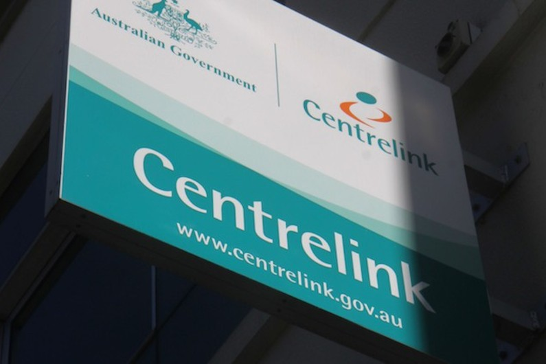 Department of Social Services loses appeal over $27,000 Centrelink debt