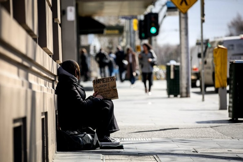 A duty to assist: Governments urged to build on COVID-19 response in ending homelessness