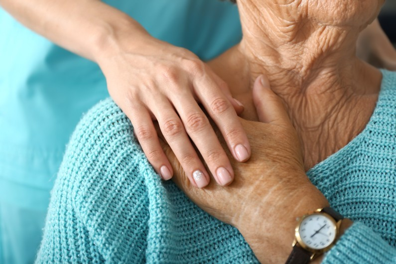 Federal, Victorian public servants seconded to aged care response centre