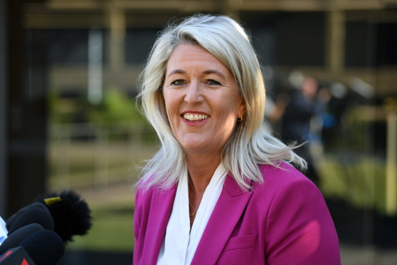 NSW Labor wants more government contracts to go to locals, calls for establishment of Jobs First Advocate
