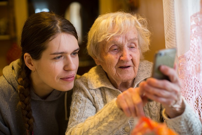 eSafety resources helping older Australians stay connected this Christmas