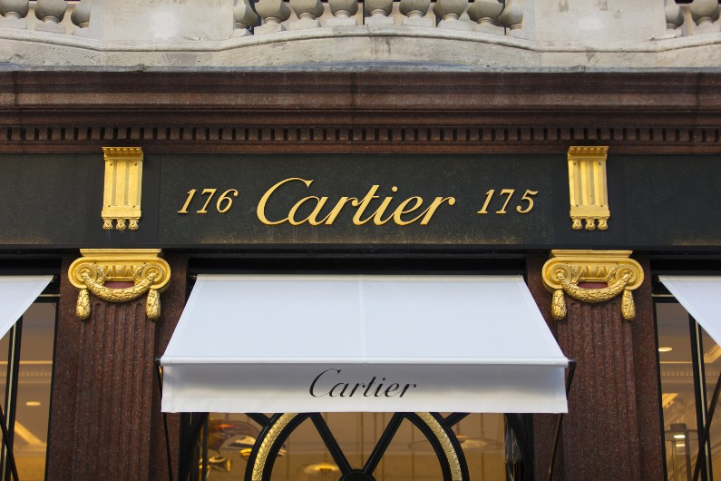 AusPost Cartier watches purchase did not amount to corruption, probe finds