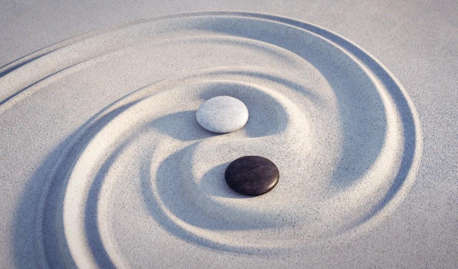 yin-yang-stones-sand