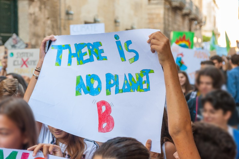 Australian students gather in mass climate strike to protest gas