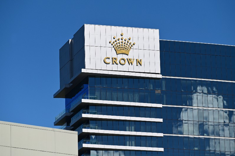 Perth casino inspector quizzed over mystery report, conflict of interest