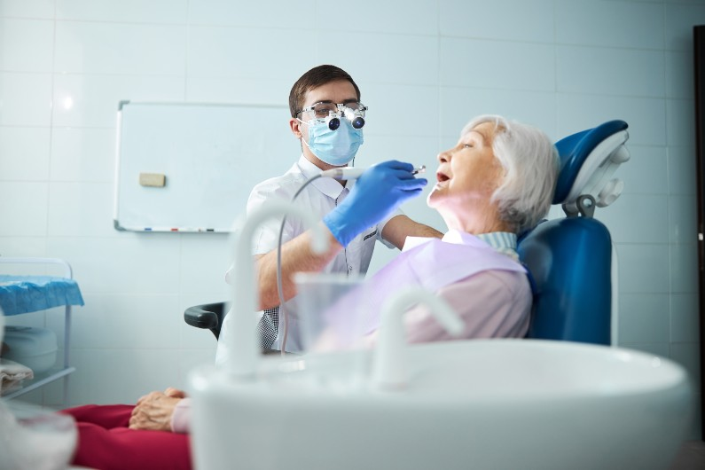 Dentists say older Australians' oral health ignored by government