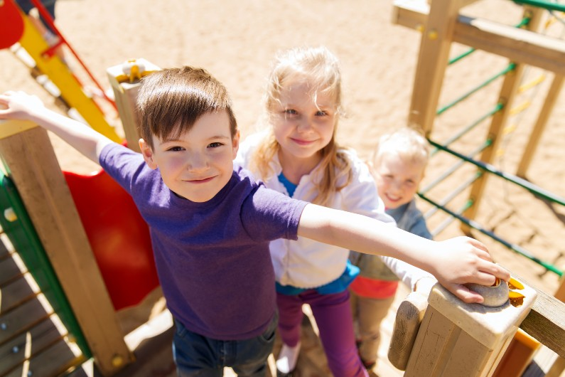 How to use a trip to the playground to help your children strengthen theirmemory