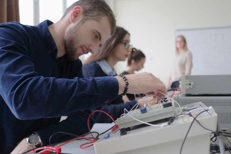 Queensland dumps vocational education providers over poor performance