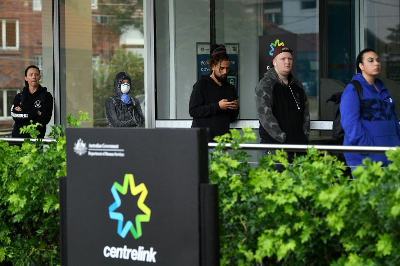 Union slams requirement for Centrelink service centres to conduct in-person ID check