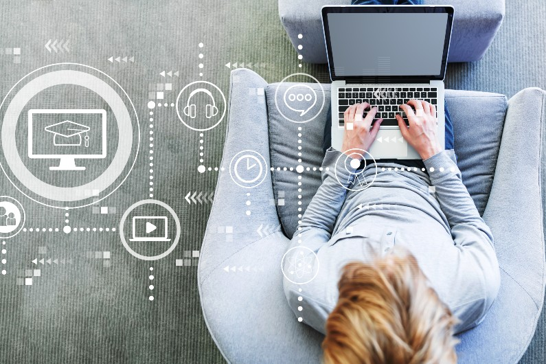 Pilot to help upskill Australians for the digital sector