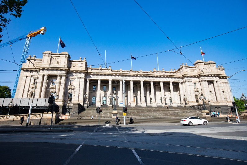 All aboard as Victorian school bus inquiry gets underway