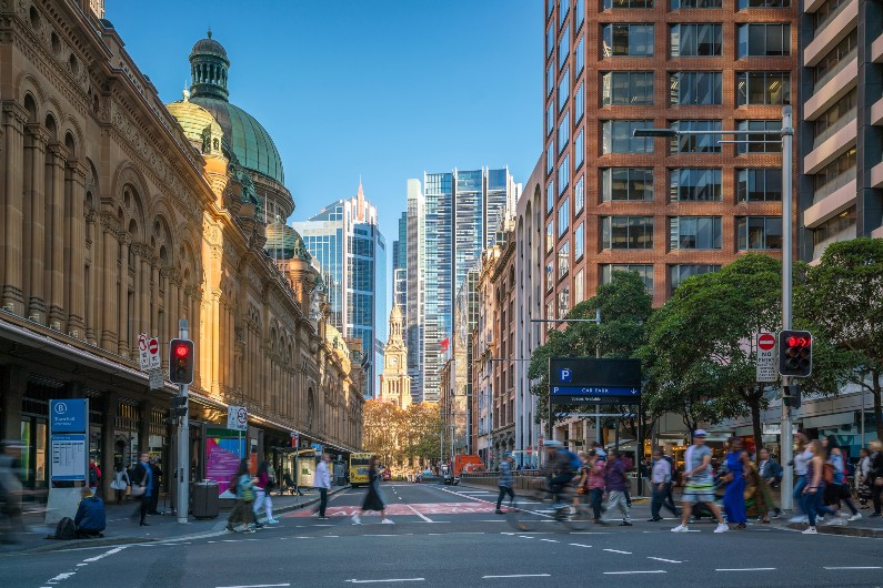 Sydney ramps up COVID-19 vaccine, repurposing retail stores into hubs