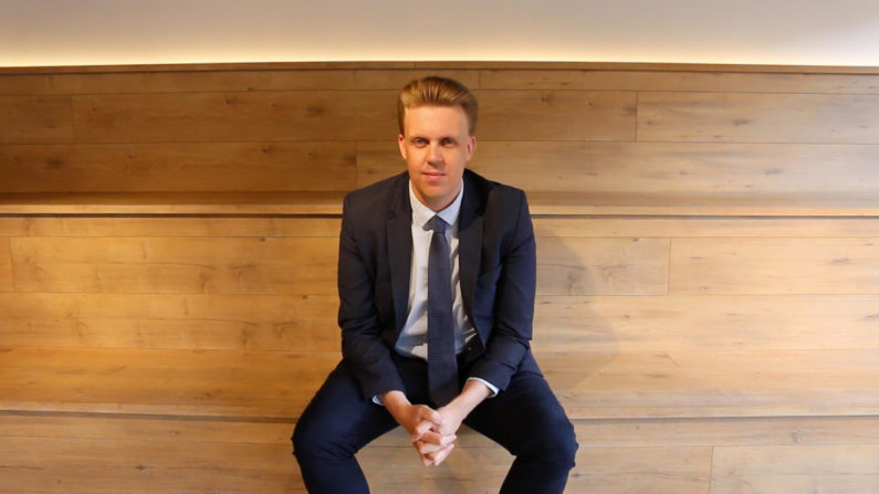 Elgar Welch - CEO of Streem, signs deal with Sky News Australia