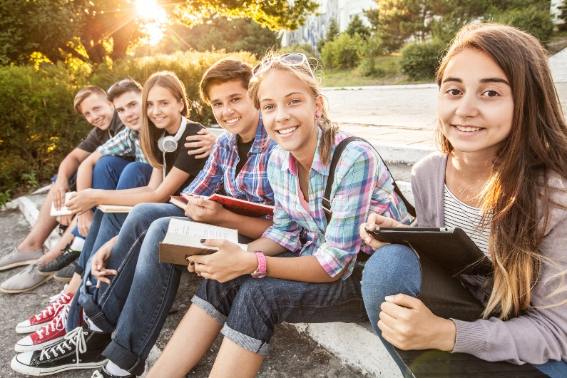 Victorian government calling on young people to join advisory group