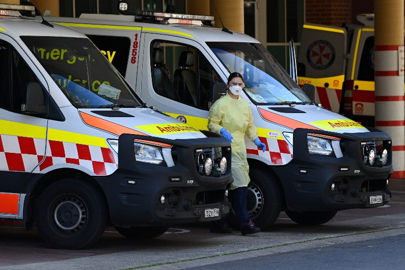 NSW paramedics overwhelmed even before Delta hit