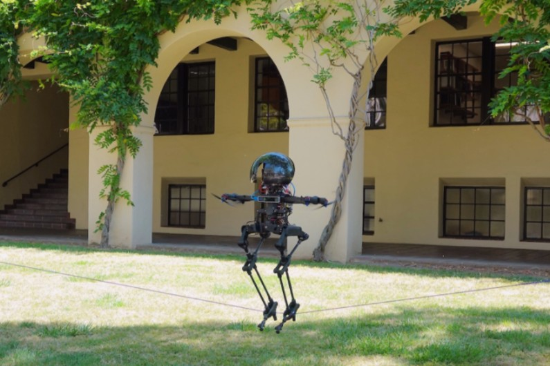 This bipedal drone robot can walk, fly, skateboard, and slackline